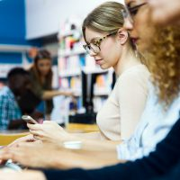 In Schulen dient die DGUV V3 Prüfung auch der Sicherheit der Schüler